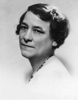 Idola Saint-Jean (19 mai 1880 - 6 avril 1945)