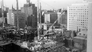 Construction de la Place Ville-Marie en 1960. AVM, P500-SYSS1D2-005