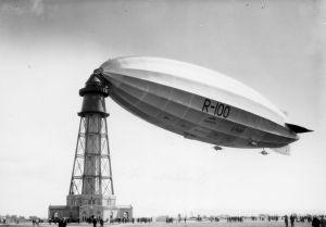 Le dirigeable R-100 à Saint-Hubert, 1er août 1930, VM94,Z41-4