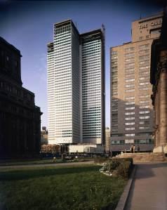 La Place Ville-Marie en construction, 1962, VM94-Ad90-002