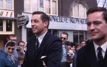 Jean Béliveau et Robert Rousseau près du Forum de Montréal, 9 mai 1966, VM94,Ed28-1